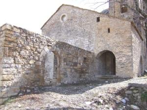 Pórtico y restos de la abadía