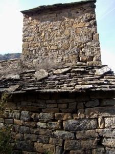 La torre espadaña desde el norte