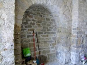 Capilla abierta en el muro