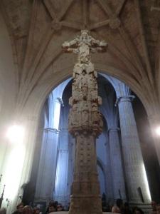 Iglesia de Santiago. Cruz de alabastro