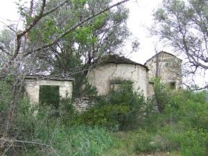 Iglesia, cementerio y torreón