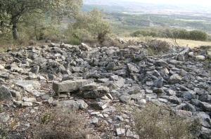 Ruinas al este de la ermita
