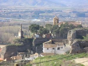 286. Calatayud. Nuestra Señora de la Peña desde subida al castillo
