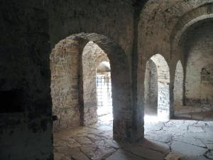 Arcos formeros entre nave central y sur