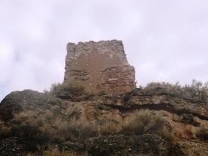 Restos de una torre cuadrada del castillo