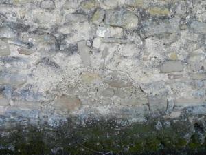 Puerta cegada en muro norte, hacia los pies