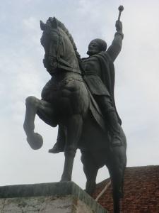 Alba Iulia. Ciudadela. Estatua de Miguel el Bravo