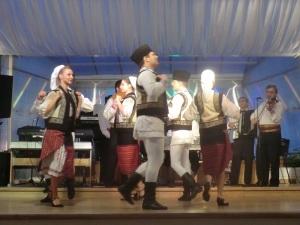 451. Bucarest. Cena folklórica