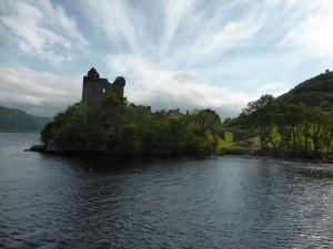 Alejándonos del castillo de Urquhart