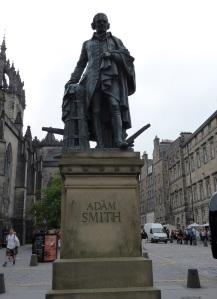 Edimburgo. Monumento a A. Smith