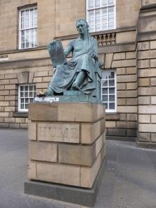Edimburgo. Monumento a D. Hume