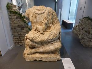 106. Angulema. Museo