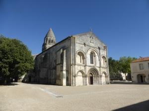 Saintes. Abadía de las Damas