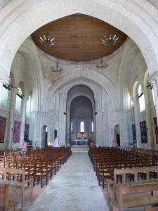 Saintes. Abadía de las Damas. Interior de la iglesia