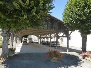 Rioux. Plaza donde se celebra el mercado