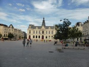 Poitiers. Plaza Mariscal Leclerc