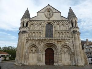269. Poitiers. Notre Dame la Grande