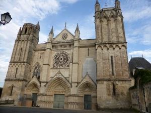 Poitiers Catedral de San Pedro