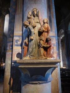 294. Poitiers. Notre Dame la Grande
