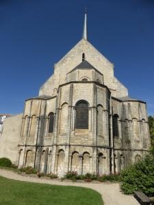 303. Poitiers. Santa Radegunda
