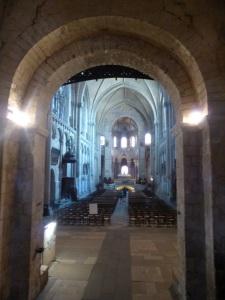 305. Poitiers. Santa Radegunda