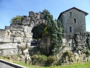 Périgueux. Puerta normanda