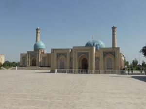 025. Taskent. Plaza Jast Imom