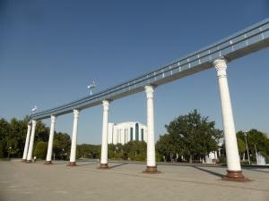 072. Taskent. Plaza Mustaqillik