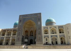 491. Mezquita y minarete Kalon