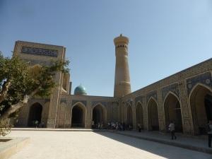 497. Bujara. Mezquita y minarete Kalon
