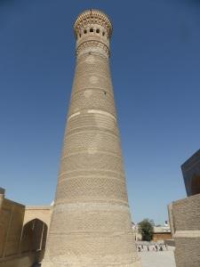 499. Bujara. Mezquita y minarete Kalon