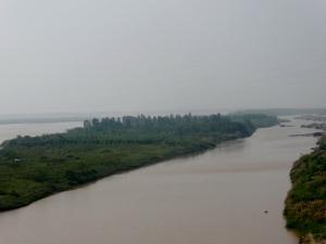 013. Del aeropuerto a Hanoi. Río Rojo