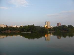 256. Hanoi. Lago Hoan Kiem