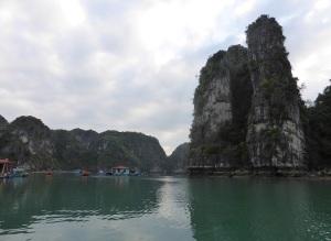 438. Bahía de Halong. Paseo en barca