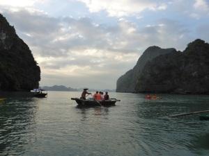 460. Bahía de Halong. Paseo en barca