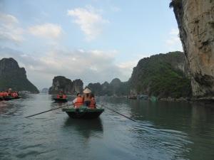 467. Bahía de Halong. Paseo en barca