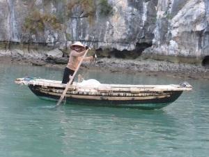 469. Bahía de Halong. Paseo en barca