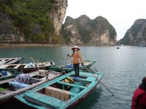 474. Bahía de Halong. Paseo en barca