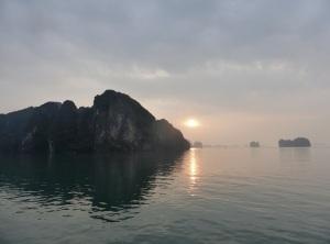 504. Bahía de Halong. Amanecer