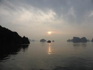 511. Bahía de Halong. Amanecer