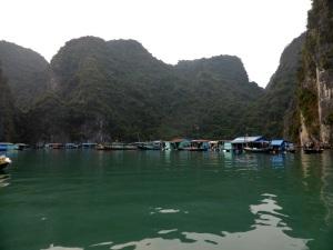 545. Bahía de Halong. Hacia la cueva Hang Sung Sot