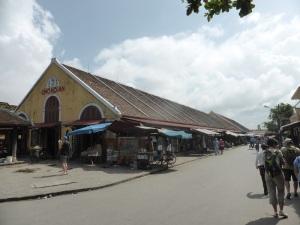 698. Hoi An. Mercado