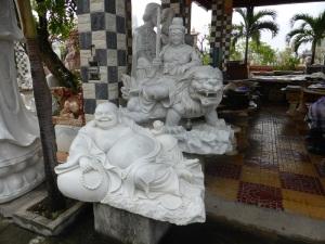 790. Alrededores de Da Nanag. Fábrica de figuras de mármol
