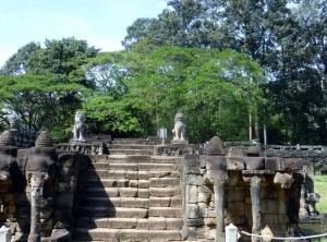 049. Angkor Thom. Terraza de los Elefantes