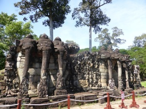 056. Angkor Thom. Terraza de los Elefantes