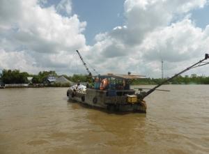 1075. Excursión en barca al mercado flotante de Cai Be