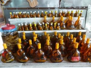 1125. Visita a fábrica de caramelos y licores de coco y arroz