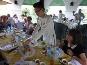 1146. Continuación de la excursión por el Mekong. Restaurante