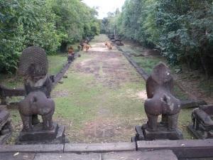 285. Banteay Samré