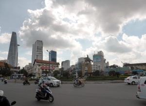 887. Saigón